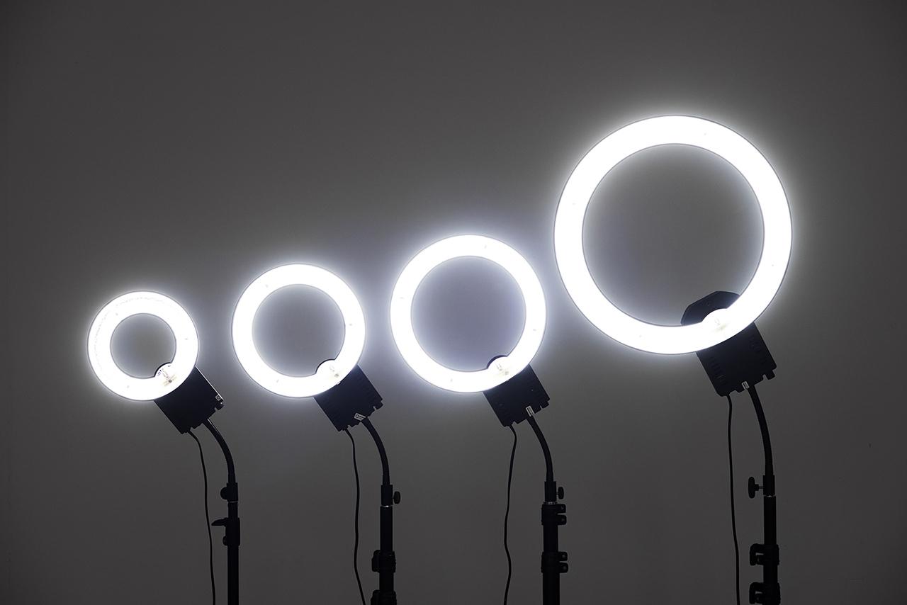 lampy stojące do makijażu